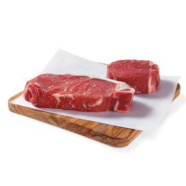 Pfaelzer's Elite Selection includes 6 filets and 4 New York strip steaks